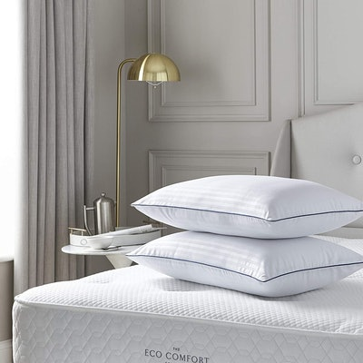 Silentnight Hotel Collection Luxury Piped Pillow Pair