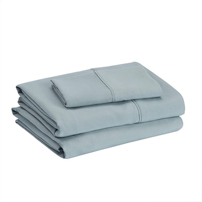 AmazonBasics Lightweight Microfiber Sheet Set
