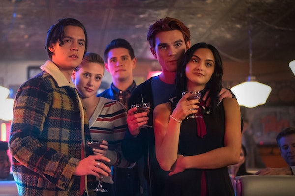 The cast of Riverdale in the show's Season 4 finale.