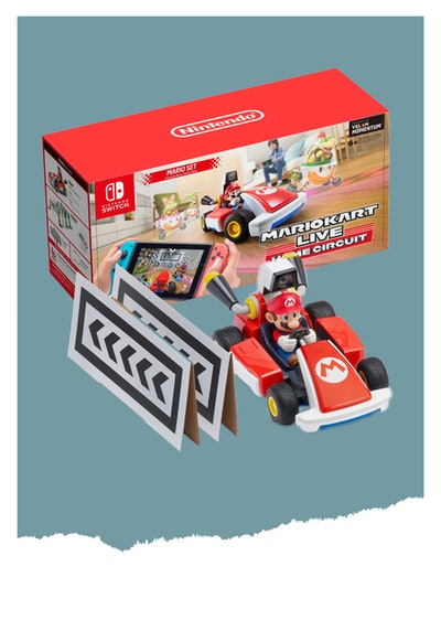 Mario Kart Live: Home Circuit Augmented Reality Racing for Nintendo Switch (E for Everybody)