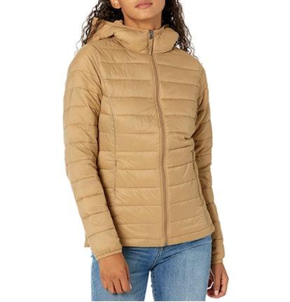 Amazon Essentials Women's Lightweight Puffer Jacket