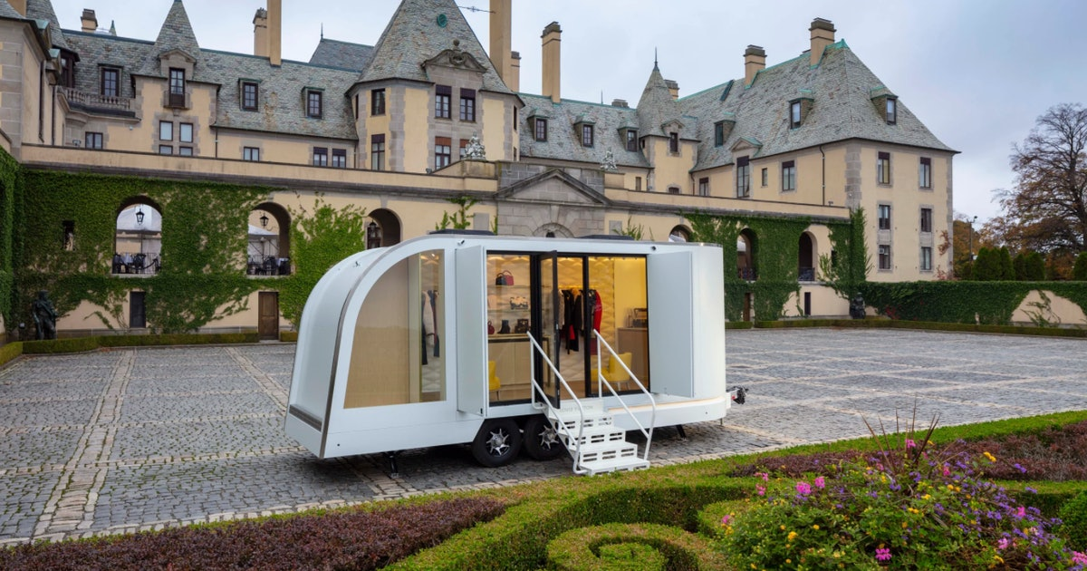 Louis Vuitton has a taco truck but for luxury goods, and it'll come to you