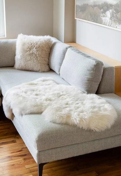 Single-Pelt (2' x 3.5') Premium Australian Sheepskin Rug