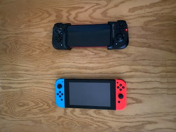 razer kishi iphone vs nintendo switch