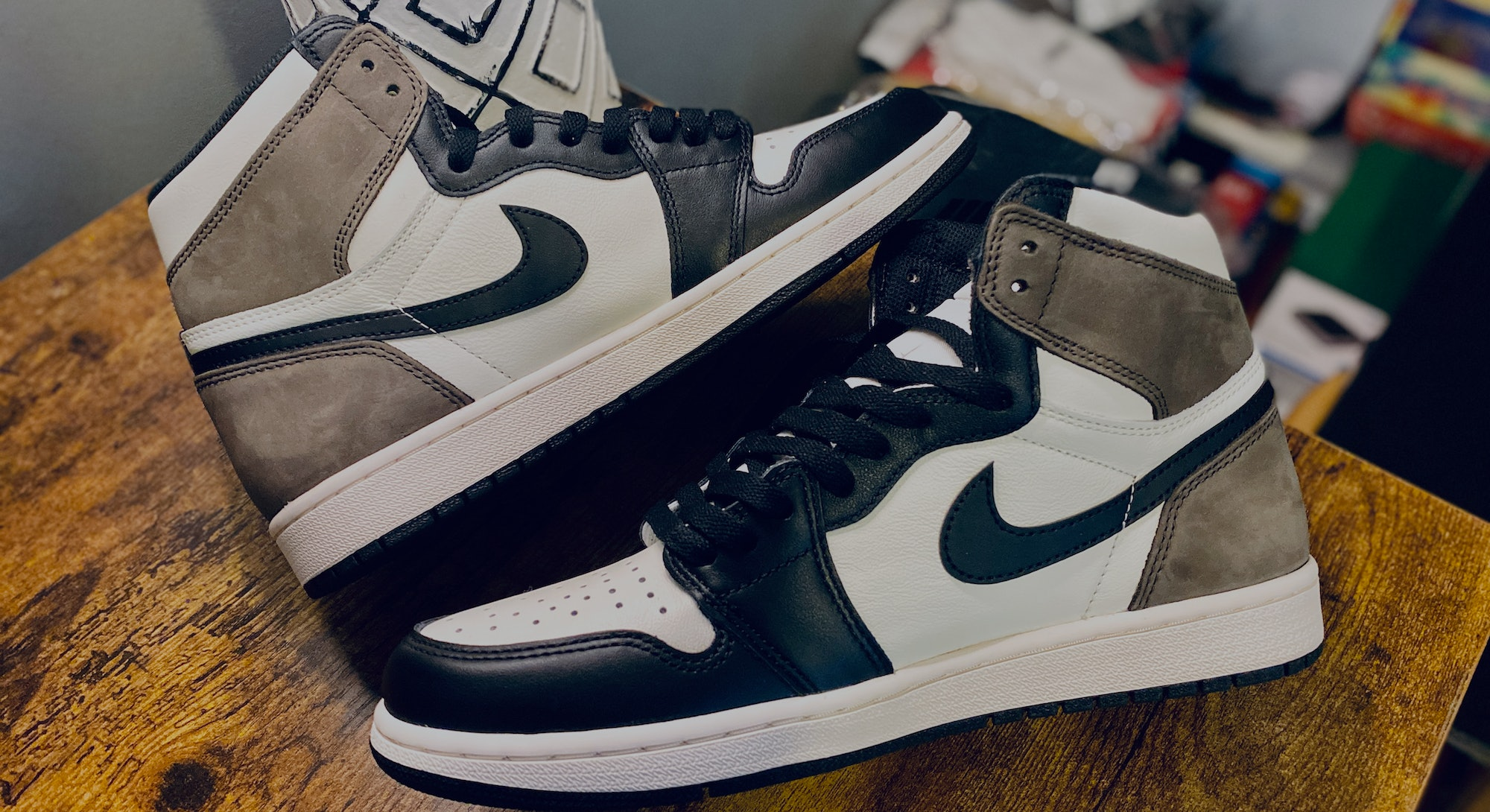 Pictures of Nike's Air Jordan 1: Dark Mocha
