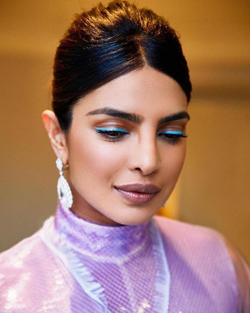 Priyanka Chopra demonstrated how to wear colorful eyeliner with her 2019 aqua look