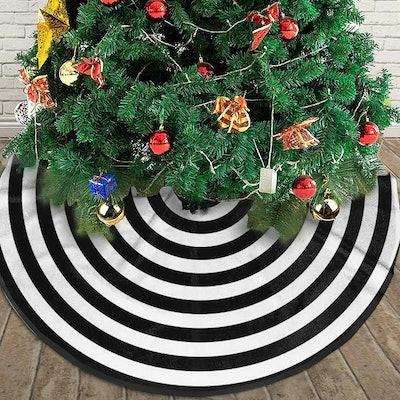 AHOOCUSTOM Black and White Rings Christmas Tree Skirt
