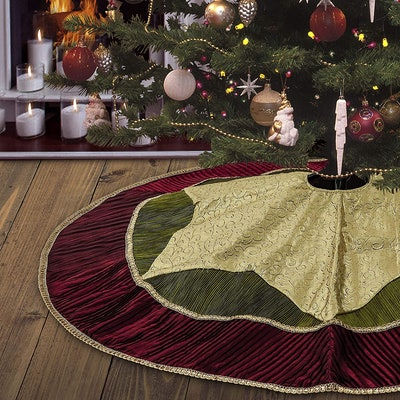 Valery Madelyn Traditional Tree Skirt