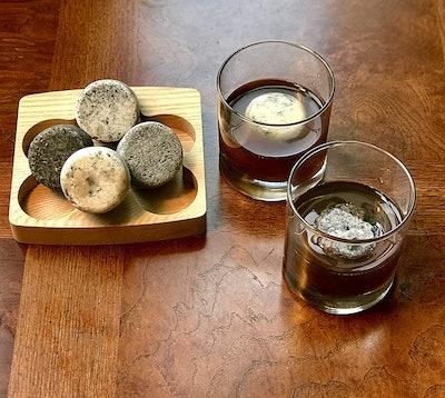 Sea Stones Whiskey Chilling Stones & Glasses Set