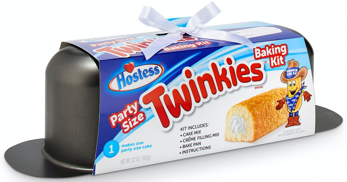 You Can Make A HUGE Party-Size Twinkie This Holiday With This Super Simple Baking Kit