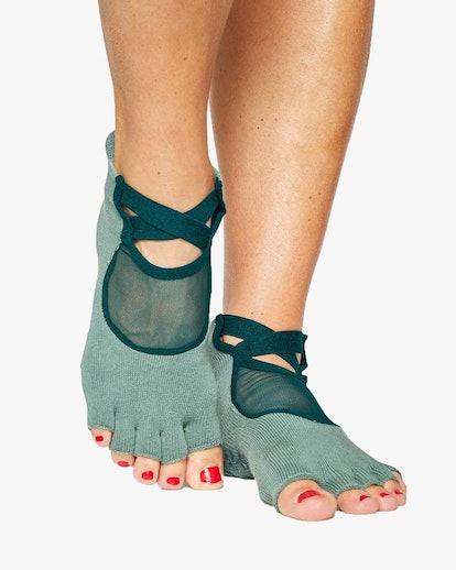 Clean Cut Toeless Grip Socks