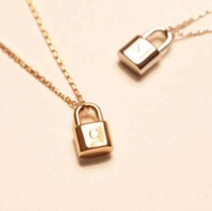 PERSONALIZED BOND GOLD NECKLACE