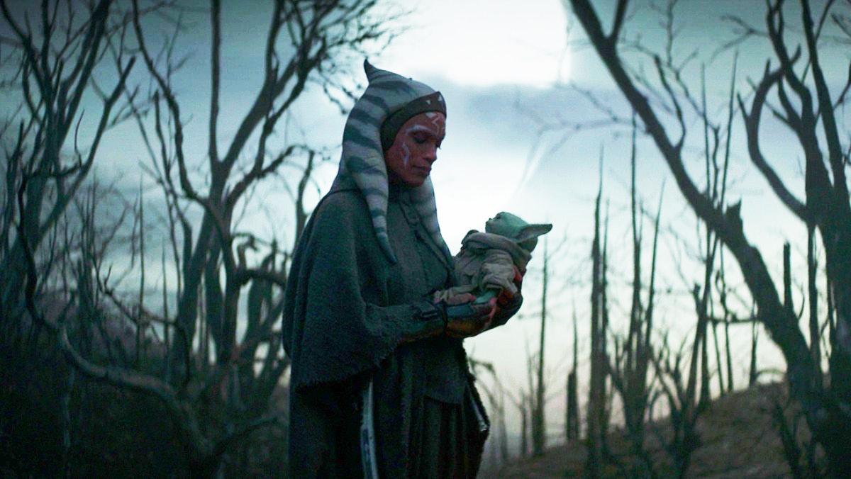 Rosario Dawson's Ahsoka Tano and baby Grogu in The Mandalorian.