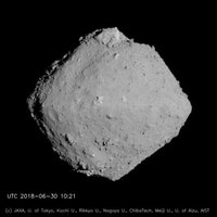 Through the eyes of a robot, scientists see an asteroid in unprecedented detail