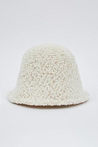 TEDDY SHEARLING BUCKET HAT, CREAM