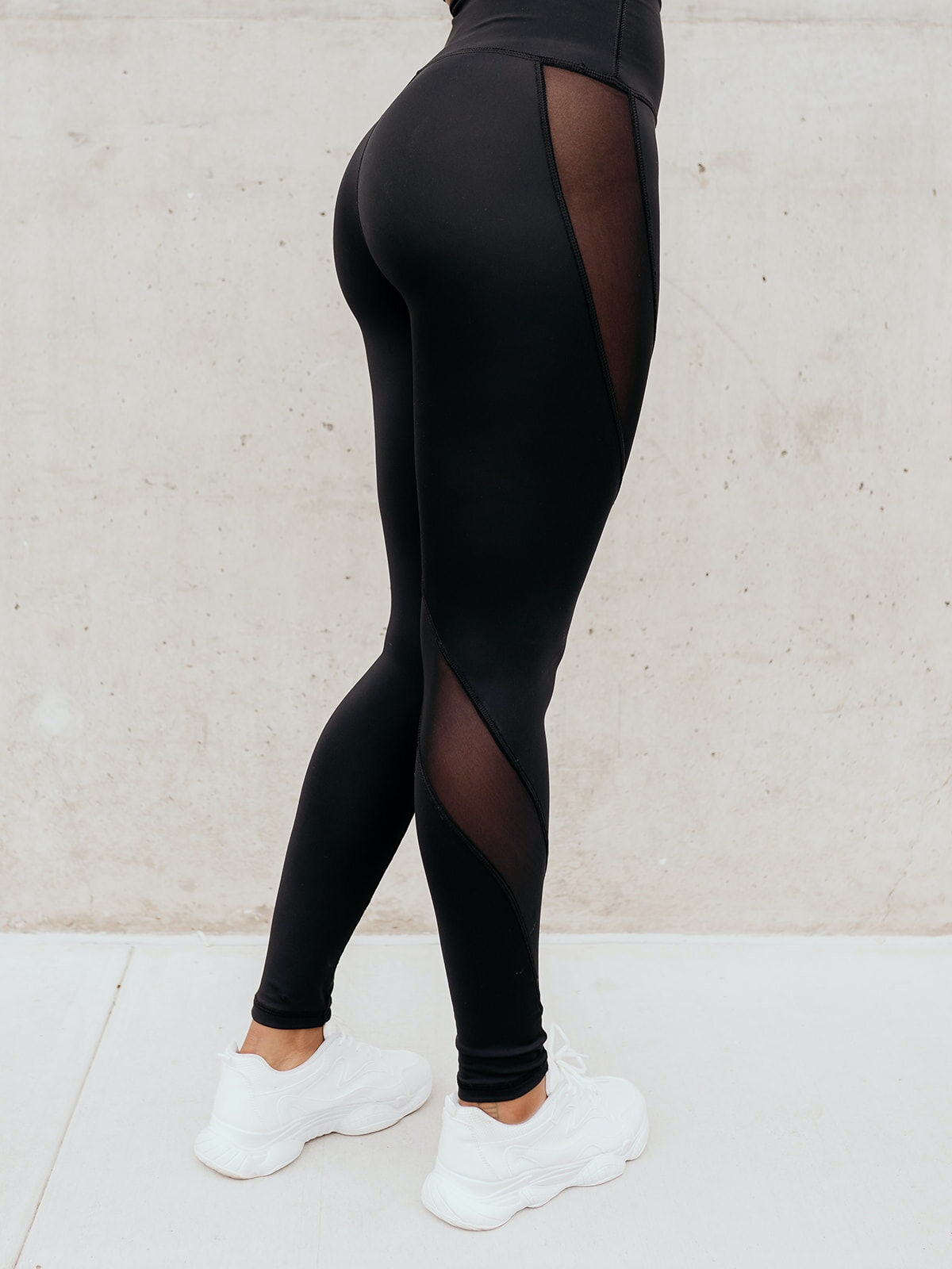 Solely Fit Aminatu Mesh Leg