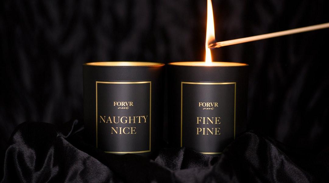 2020 holiday candles.