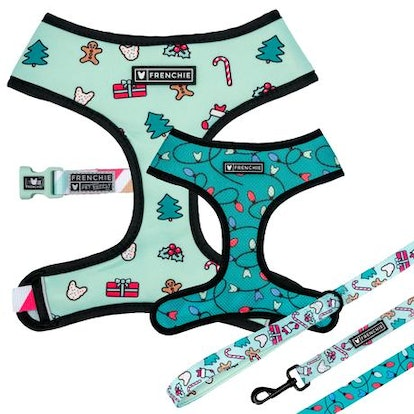 MATCHING SET- FRENCHIE DUO REVERSIBLE HARNESS AND COMFORT LEASH- DECK THE HALLS
