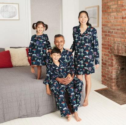 Men's Holiday Hot Air Balloon Print Flannel Matching Family Pajama Set - Wondershop™ - Navy