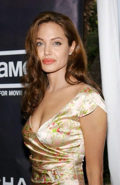 Angelina Jolie beauty look: lips, lipstick, and lip colors.