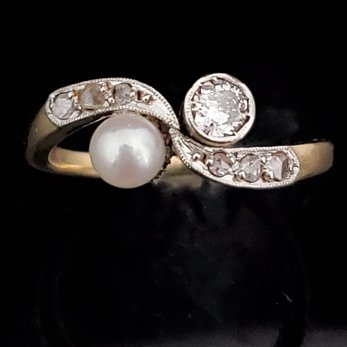 Vintage Pearl Transitional Cut Diamond 18k Gold Toi at Moi Ring Two Gemstone