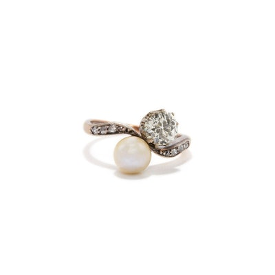 OLD EUROPEAN CUT DIAMOND AND SOUTH SEA PEARL TOI ET MOI RING