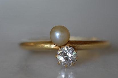 Elegant Edwardian Pearl & Diamond Toi et Moi