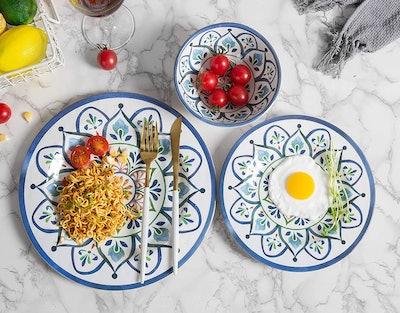 Marjoy Melamine Dinnerware Set (12-Piece)