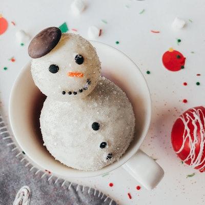 SNOWMAN Hot cocoa bombs, Hot chocolate Bombs, Christmas, holiday