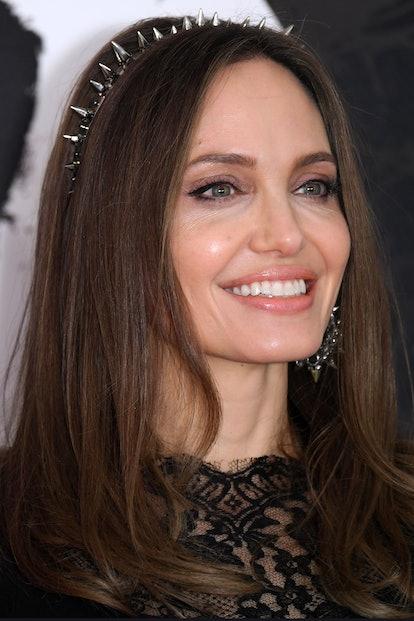 Angelina Jolie beauty look: eyebrows.