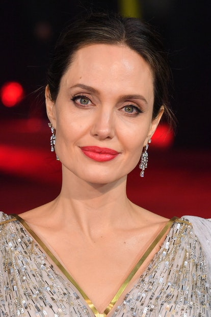Angelina Jolie beauty look: eyeliner and eyeshadow.