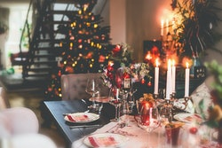 christmas meal tablescape