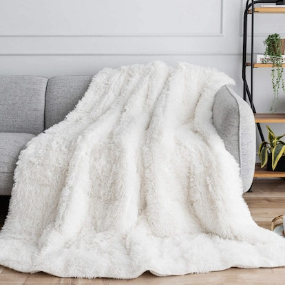 Buzio Faux Fur Weighted Blanket