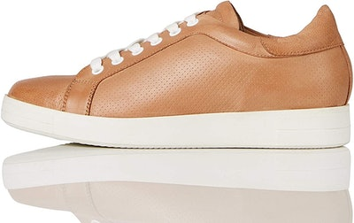 find. Simple Leather Low-Top Sneakers