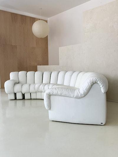 """De Sede DS600 """"Non-Stop"""" White Leather Sofa, Switzerland"""