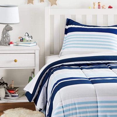 AmazonBasics Comforter And Pillow Sham Set (2 Pieces)