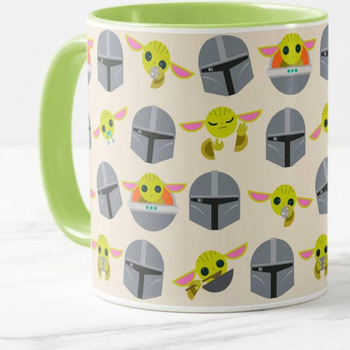 Mandalorian and The Child Cute Expression Pattern Mug