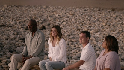 James Pickens Jr as Richard Webber, Ellen Pompeo as Meredith Grey, T.R. Knight as George O'Malley, a...