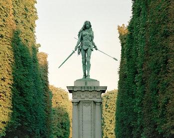 Wonder Woman statue in a Parisian garden