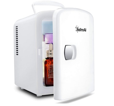 AstroAI Mini Fridge 4 Liter/6 Can