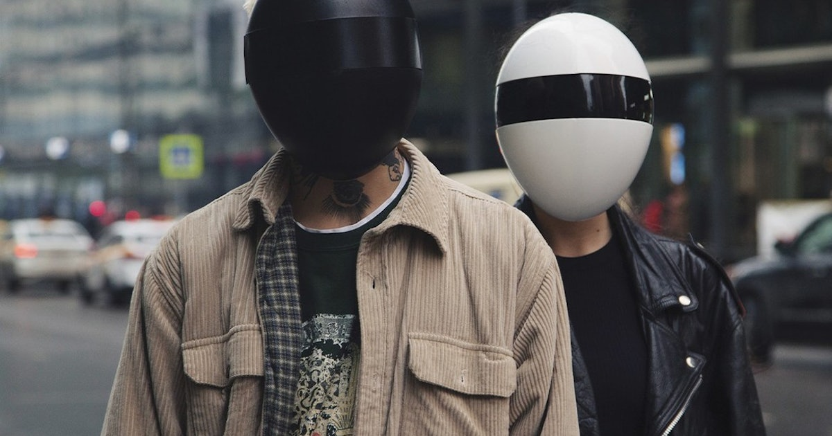 The Futuristic Blanc Mask Protects You From Coronavirus And Facial Recognition
