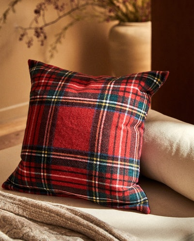 Plaid Christmas Throw Pillow