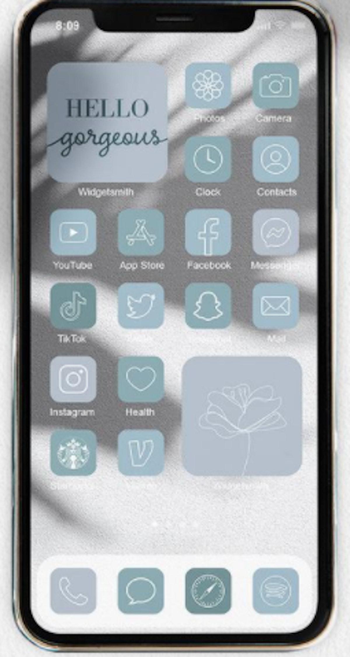 Pastel Monochromatic Winter iOS 14 Home Screen Idea