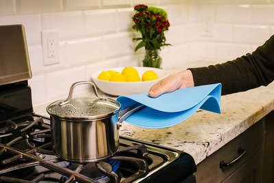 Safe Grabs Silicone Microwave Mat