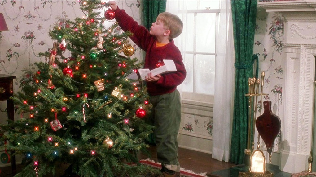 Home Alone, Decorating Tree