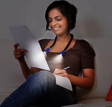 CeSunlight Neck Reading Light