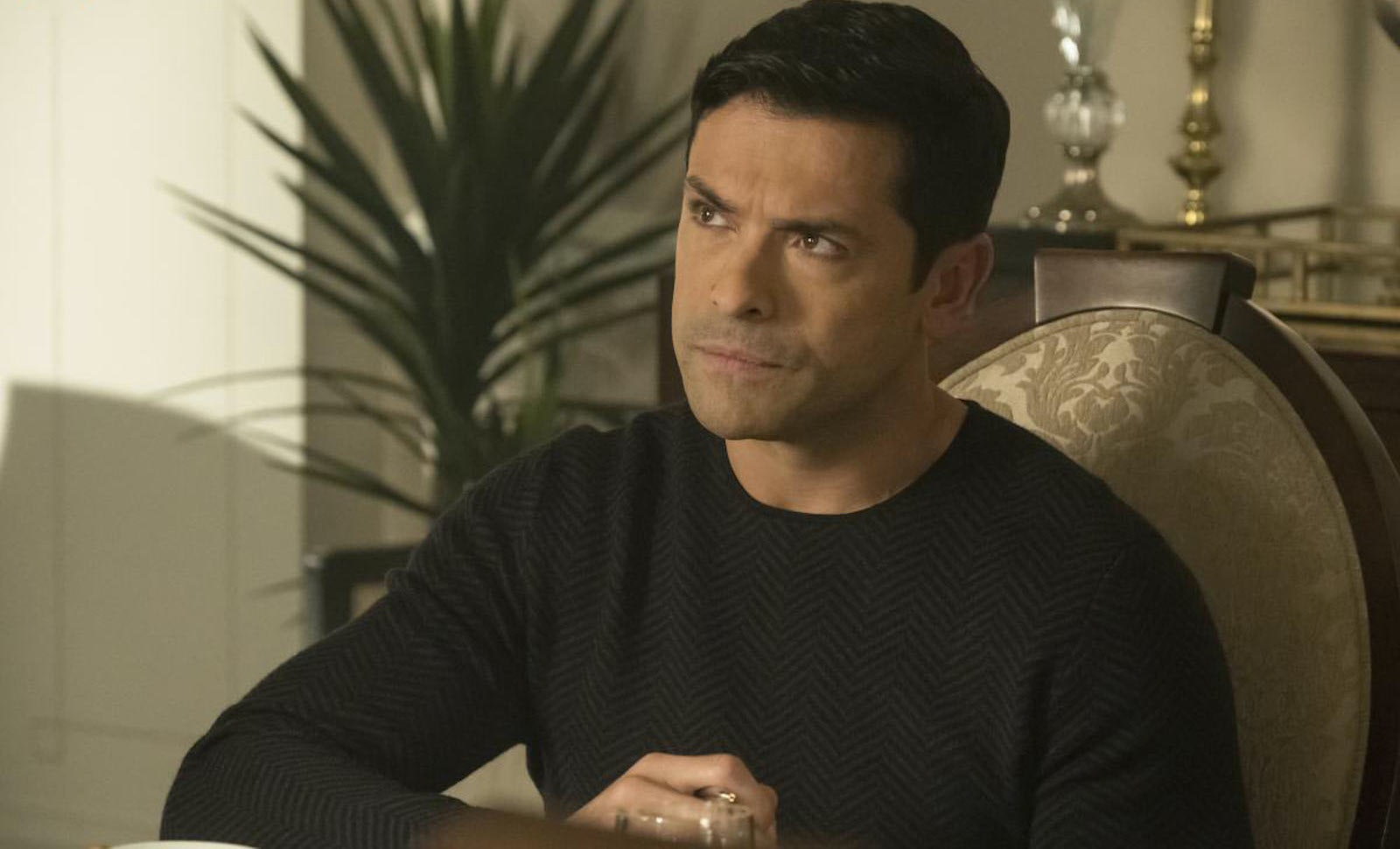 Is Hiram Really Sick On 'Riverdale'? Hermione Dropped A Medical ...