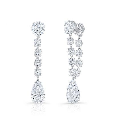 Details of Scarlett Johansson's diamond earrings at the 2020 Oscars.