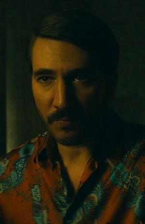 """Alberto Ammann as Hélmer """"Pacho"""" Herrera in 'Narcos: Mexico' Season 2"""