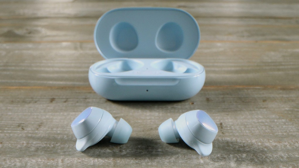 Samsung's Galaxy Buds+ versus AirPods Pro points out a few major differences.
